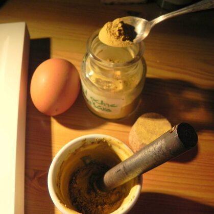 pigmenti ar olas dzeltenumu